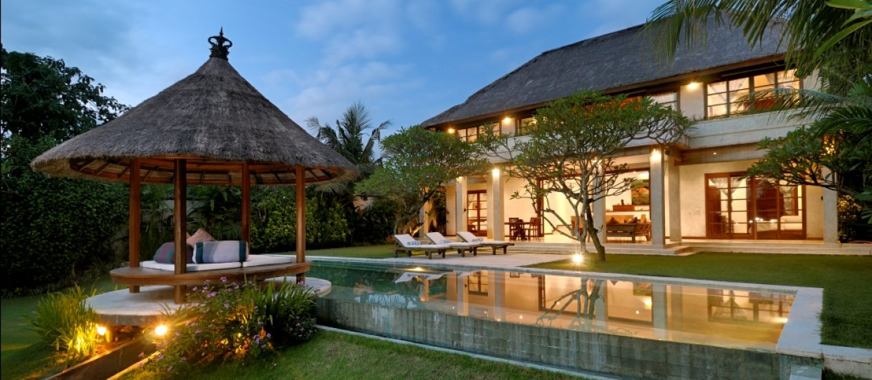 lentera-bali-garden-pool-looking-at-villa_focus